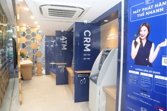 Ngân hàng MBBank đang triển khai 30 điểm MB Smartbank trên toàn quốc, tập trung tại hai đô thị lớn là Hà Nội và TP HCM.