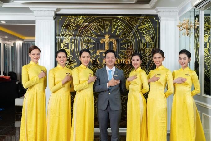 Anh Lê Thế Hai và các nhân viên xem văn hóa phục vụ từ trái tim là linh hồn của Diva Group.