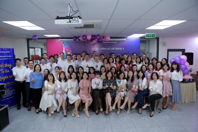 Tập thể Văn Phú - Invest trong một sự kiện gắn kết nội bộ